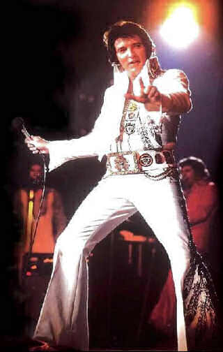 elvis-performing-white-jumpsuit